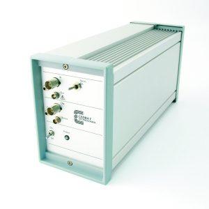 CA45 desktop piezo amplifier